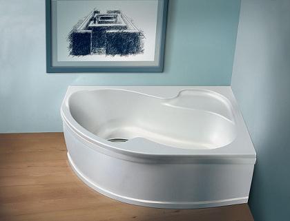 ассиметричная акриловая угловая ванна в стиле минимализма