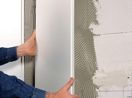 бескаркасный монтаж пластиковых панелей н стену