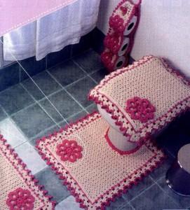 вязаный коврик в ванную
