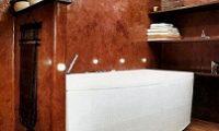 Оформление ванной комнаты с помощью декоративной штукатурки