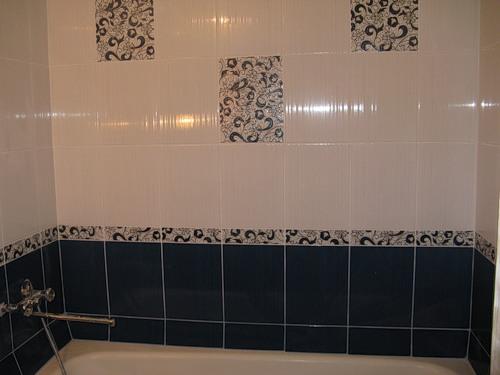 декор ванной комнаты с помощью плитки