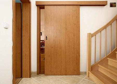 деревянные раздвижные двери в ванную