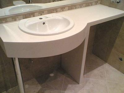 искусственый камень в ванной комнате