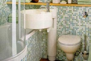 использование мозаики в маленькой ванной