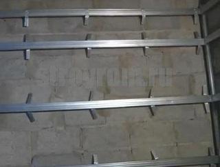 металлический каркас для крепления панелей