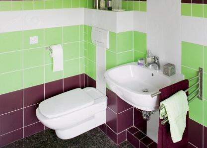 оформление ванной квадратной плиткой