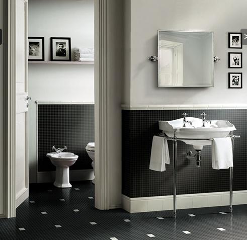 классическая черно белая ванная