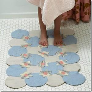 красивый коврик в ванной