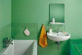 стильная окрашенная ванная комната