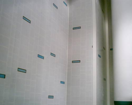 пластиковые стены в ванной выглядят эстетично
