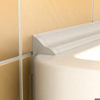плинтус на стыке ванной и стены