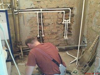 установка новых труб в ванной