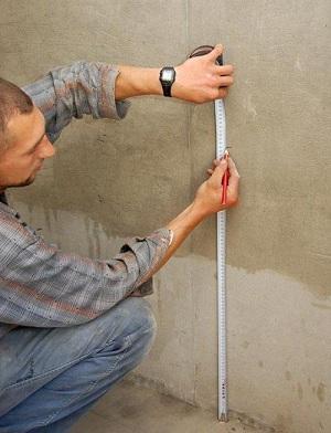 разметка стены для кладки плитки