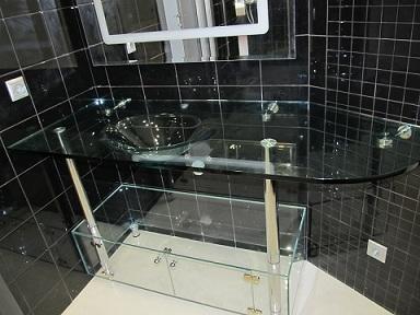 идеальное сочетание стеклянной раковины и интерьера