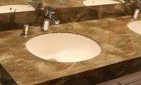 О столешницах для ванной из искусственного камня