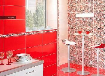 тонкое сочетание белого и красного в ванной