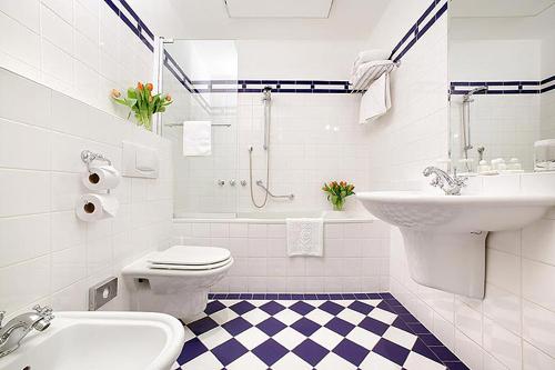 эстетичная белая ванная